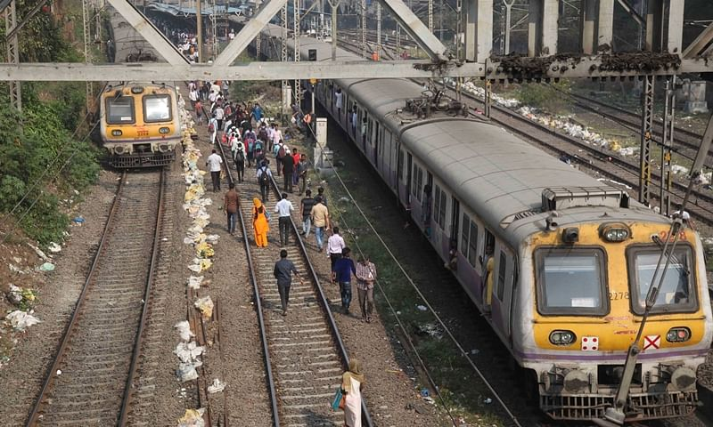 Mumbai Bandh: Just discharged from hospital, Yusuf Khan got stuck in train for an hour due to protester