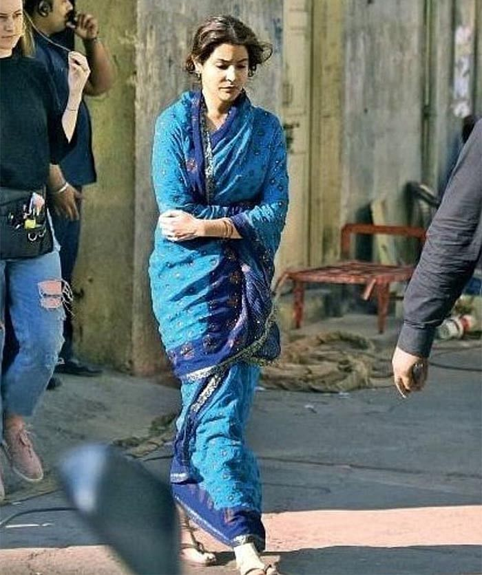 Leaked! Anushka Sharma pic in simple blue saree from Sui Dhaaga set goes viral