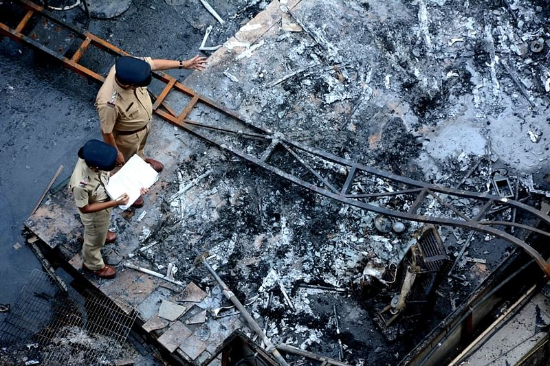 Mumbai Kamala Mills fire: Police to verify documents of Mojo's Bistro and 1Above pub