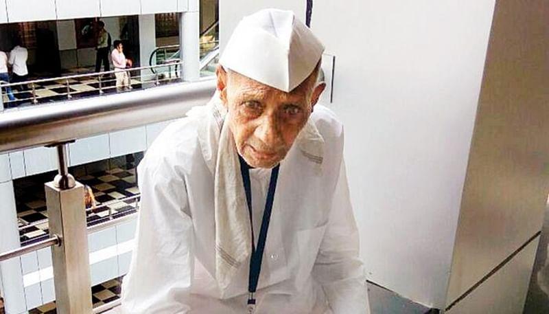 Maharashtra farmer suicide: Family refuses to accept farmer Dharma's body