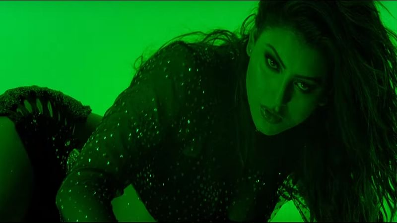 Hate Story 4: Urvashi Rautela's hot and sexy dance moves will leave you awestruck; Watch Aashiq Banaya Aapne now