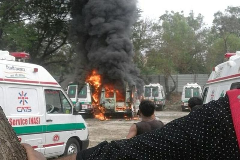 New Delhi: Two men burnt alive as ambulance catches fire