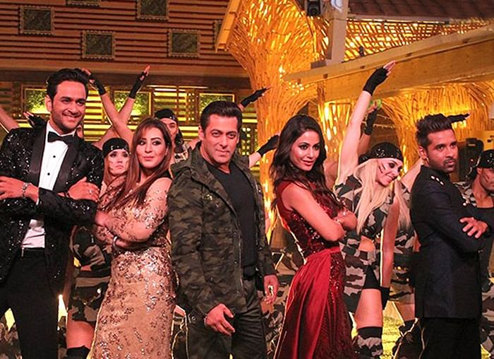 Bigg Boss 11: Salman Khan parties hard with the contestants