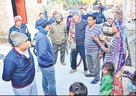 Ujjain: CMC on inspection by cycle at dawn