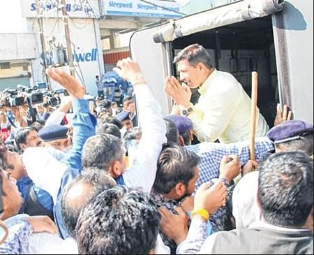 Indore: Cong MLA, 60 others arrested for road blockade over civic issues
