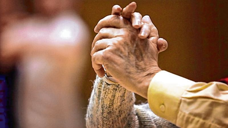 Mumbai: Elderly couple, who also lost siblings, seek President's nod for 'active euthanasia'