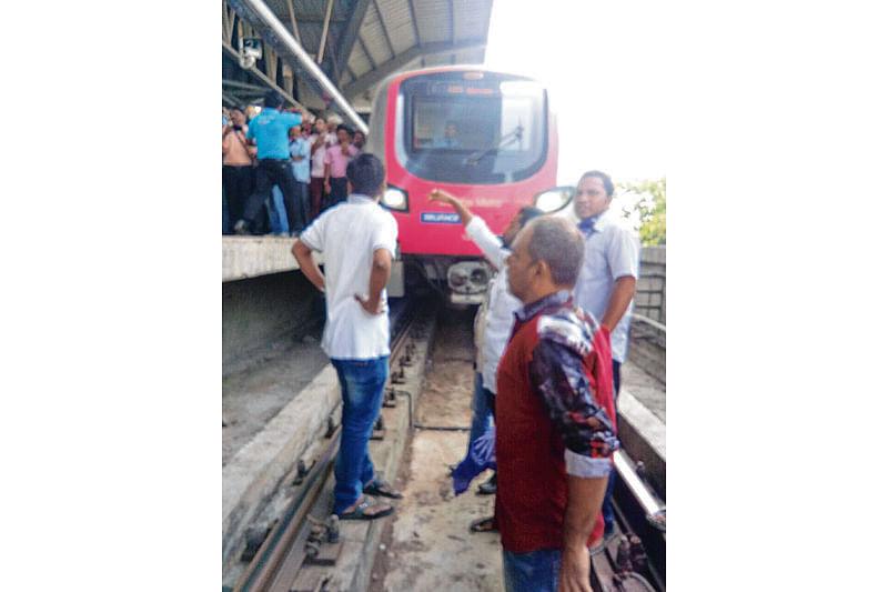 Maharashtra bandh: Protestors disrupt Mumbai metro trains service, click selfies in front of stationed metro train