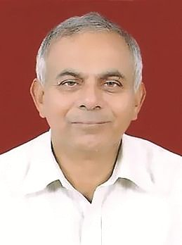"""<span style=""""color: #ff0000;""""><strong>Major General (Dr) P K Chakravorty, VG</strong></span>"""