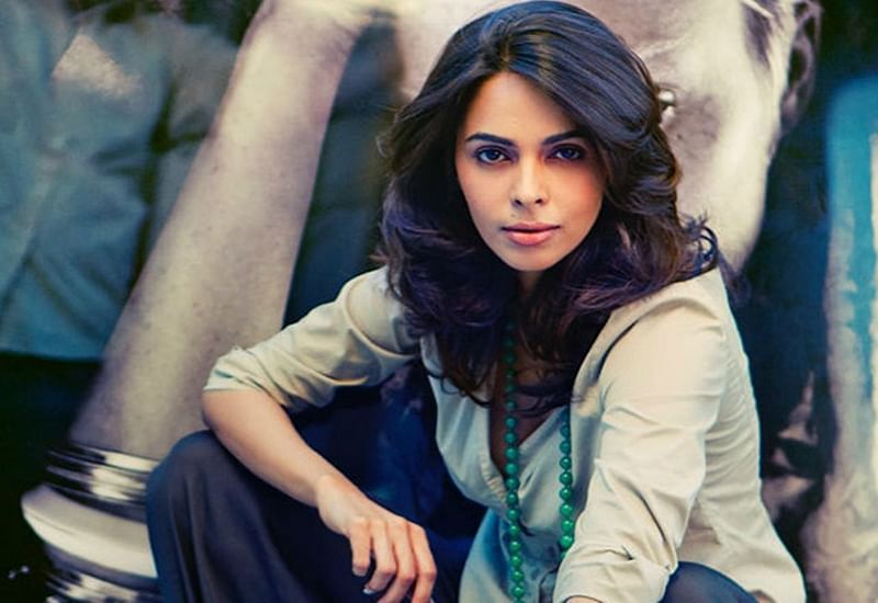 SHOCKING: Indian hot actress Mallika Sherawat evicted from her Paris flat over unpaid rent of Rs. 59.87 lakh