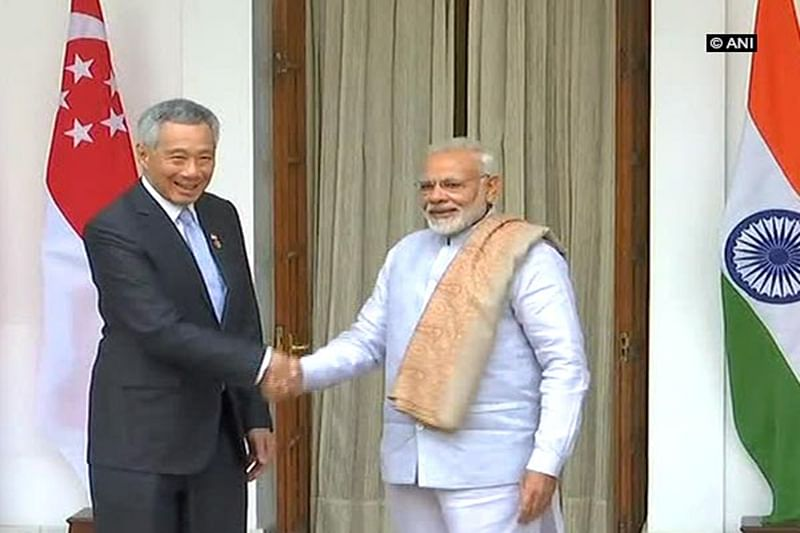 PM Narendra Modi meets Singapore PM Lee Hsien Loong
