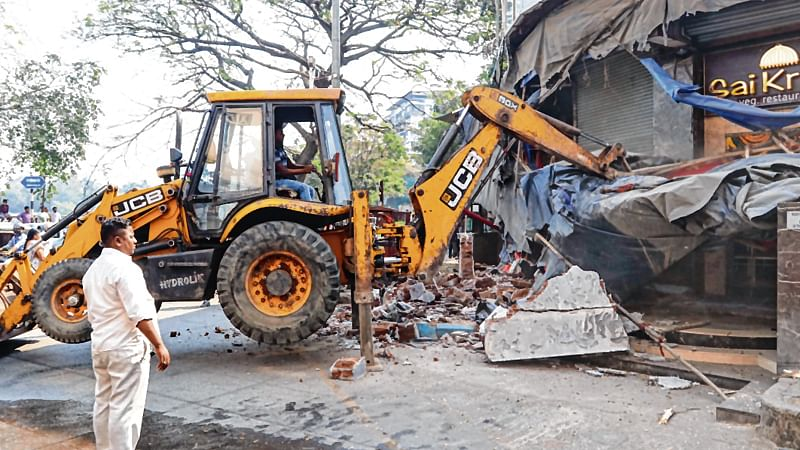 Demolition Drive: Thane Municipal Corporation seals illegal hotels, bars and hookah parlours