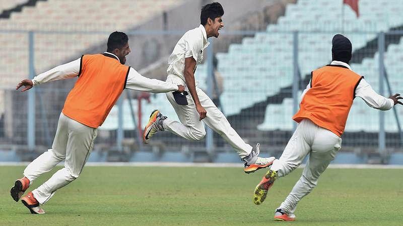 Vidarbha thrash Mumbai out of contention