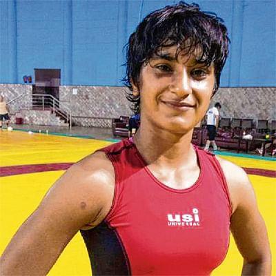 Vinesh beats Ritu in UP Dangal's win over Veer Marathas
