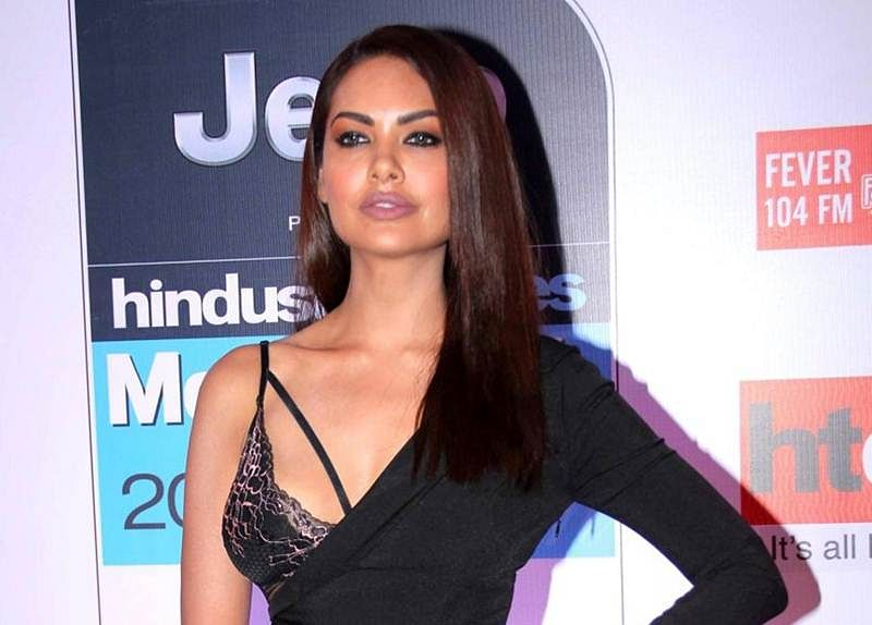 Esha Gupta's next is an Iranian film