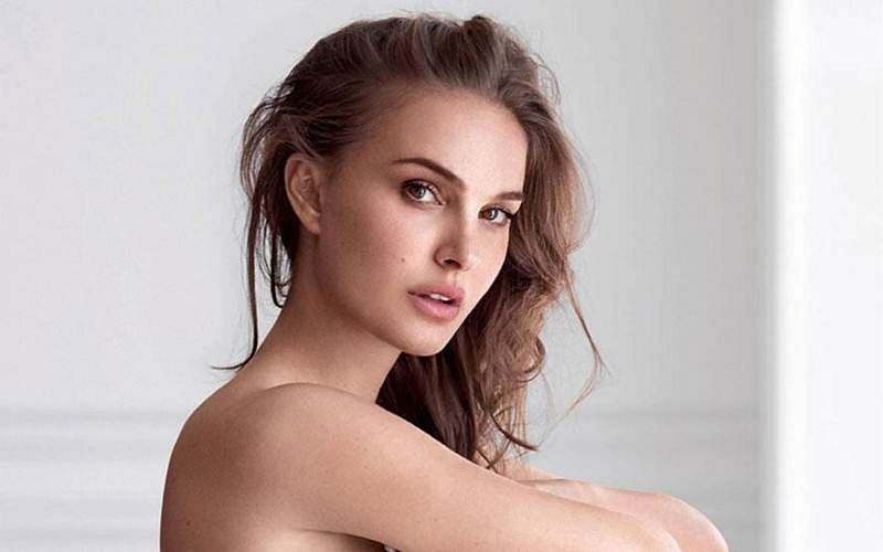 Natalie Portman to turn host for Saturday Night Live