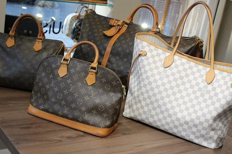 Mumbai: Police seize fake Louis Vuitton bags worth Rs 4.47 lakh from shop in SoBo 5-star