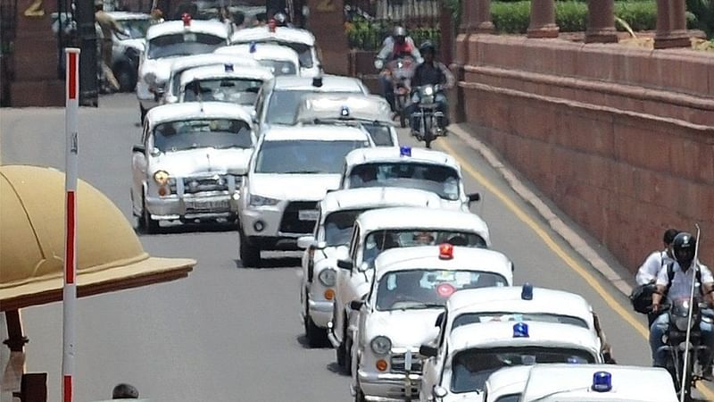 Mumbai: Ministers splurge, flout vehicle rules, says RTI Activist