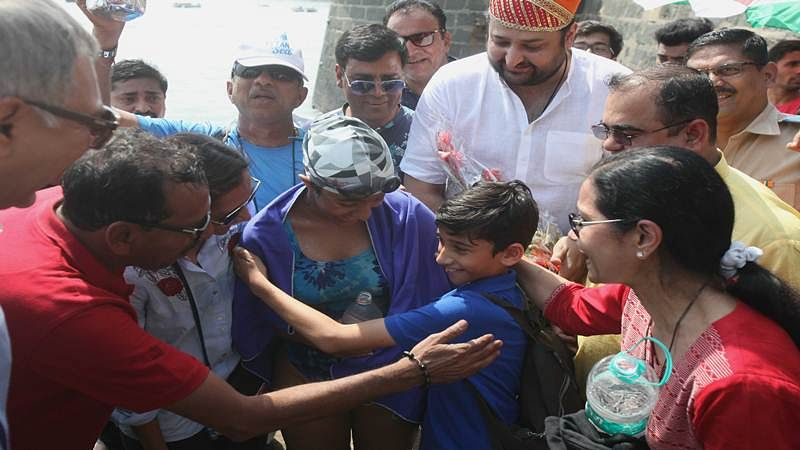 Mumbai: Rajasthani teen sets new swimming record as she swims 46 kms in 9 hours
