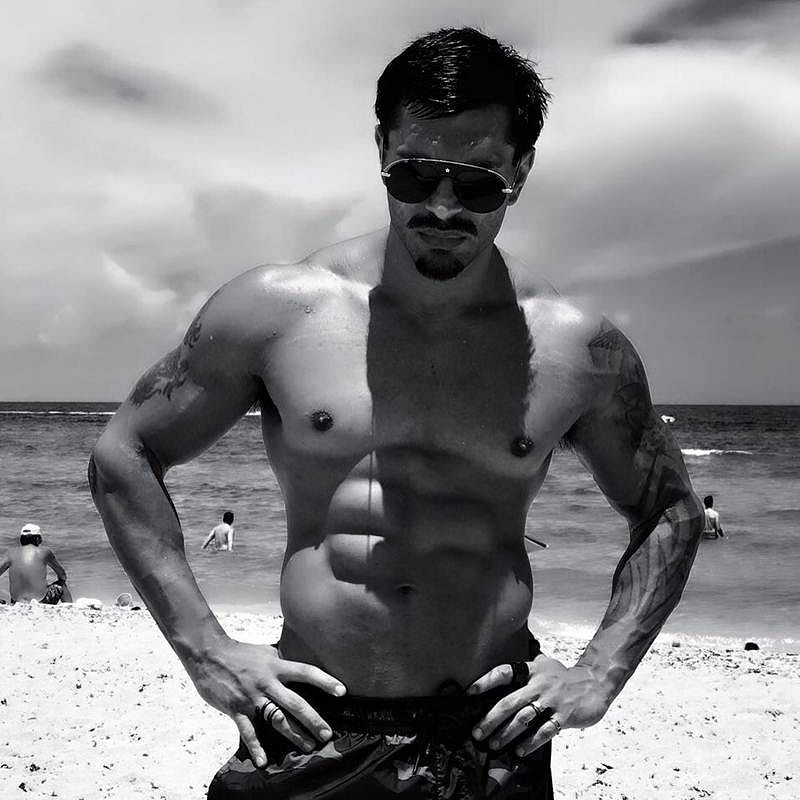 Happy birthday Karan Singh Grover: These picture of KSG are ABS-olutely sexy, see pics