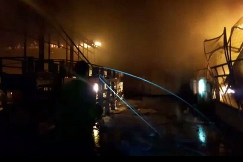 Maharashtra: Fire breaks out in furniture factory at Akola