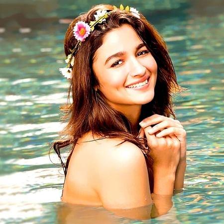 Alia Bhatt records a romantic number for 'Sadak 2'