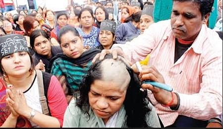 Bhopal: Woman guest professor shaves head