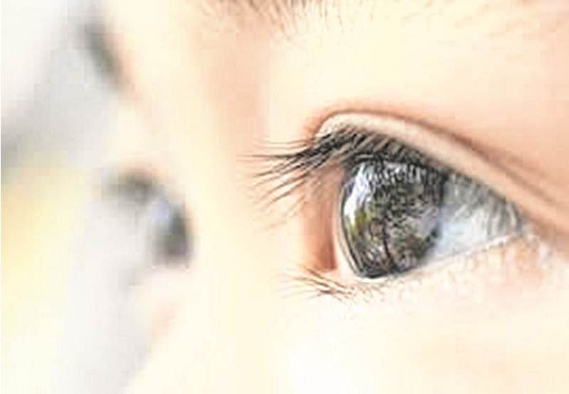 Indore: Turn a blind eye to lens; It can cause vision loss