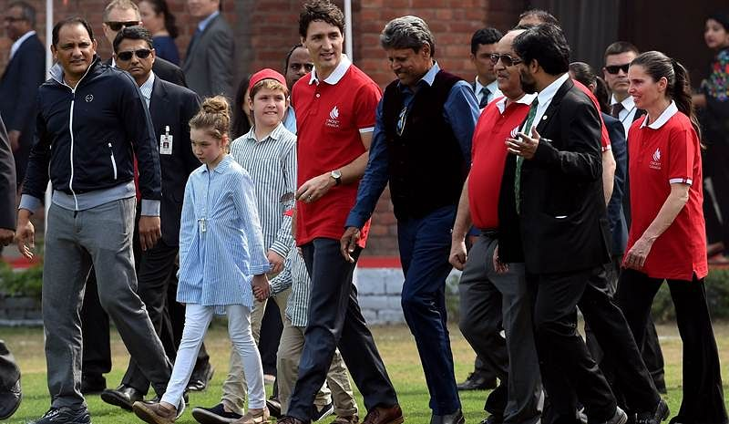 Justin Trudeau India visit: Canadian  PM and children play cricket with Kapil Dev, Mohammad Azharuddin, see pics