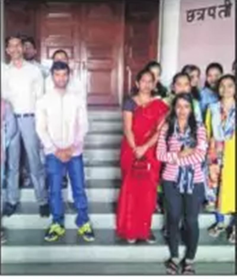 Mumbai: 37 computer operators on contract sacked by MBMC