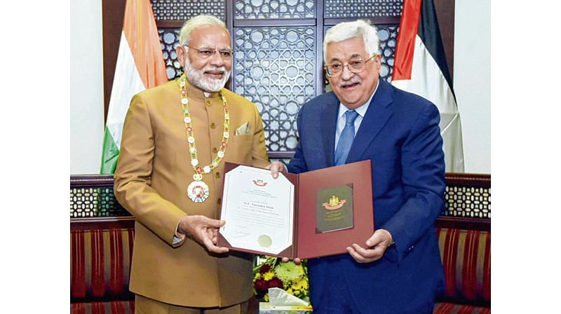 India hopes for AN independent Palestine: PM