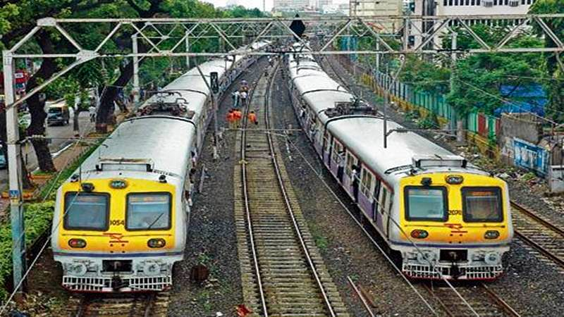 Mumbai: Local train services on Western line delayed by 10-15 minutes due to technical snag