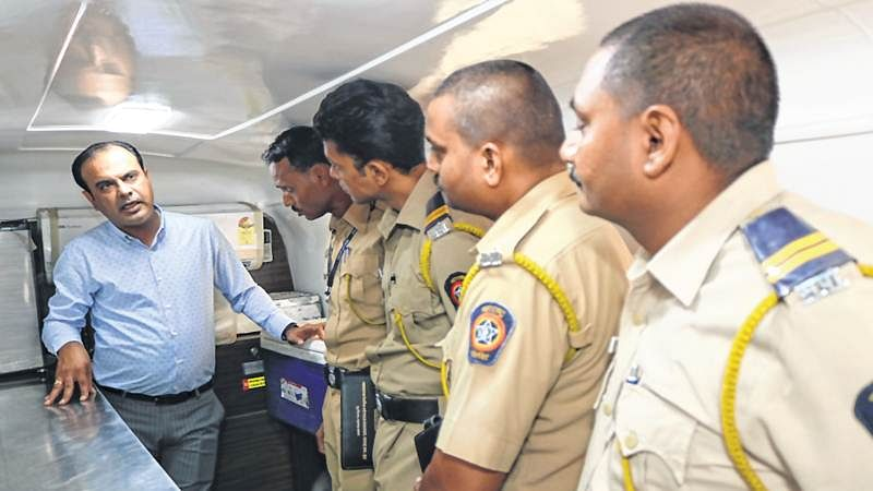 Mumbai: Forensic scientists will conduct beef tests in mobile vans stationed in every district