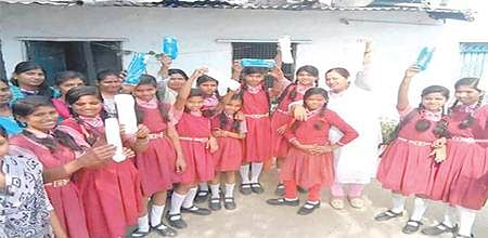 Bhopal: This club distributes cotton cloth for menstrual hygiene