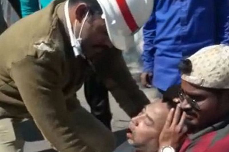 Hyderabad: Two cops save life after administering CPR on road