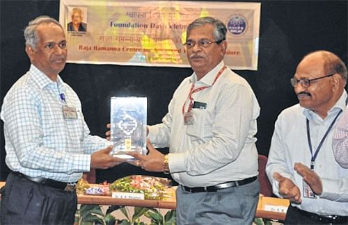 Indore: 'RRCAT developing low cost equipment to diagnose TB, oral cancer'