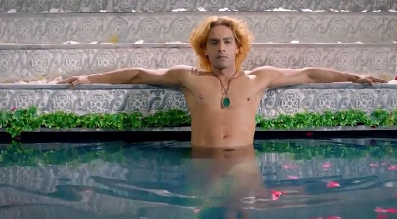 Rohit Purohit leaves fans stunned once again with his look in Porus