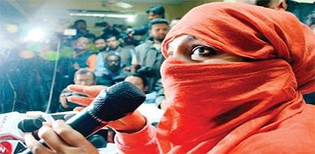 Bhopal: Released from jail, girl speaks out against crime branch officials