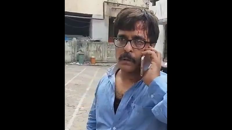Mumbai: TV journalist assaulted by rowdy gang of local train commuters