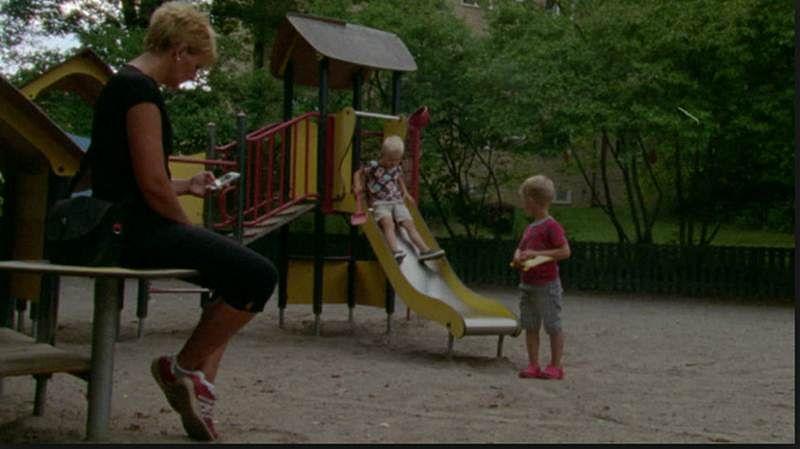 No Kidding! Technology has 'stolen' children's playground