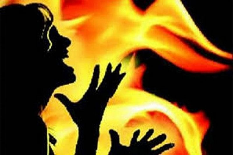 Mumbai: Farmer kills self by jumping into burning crop