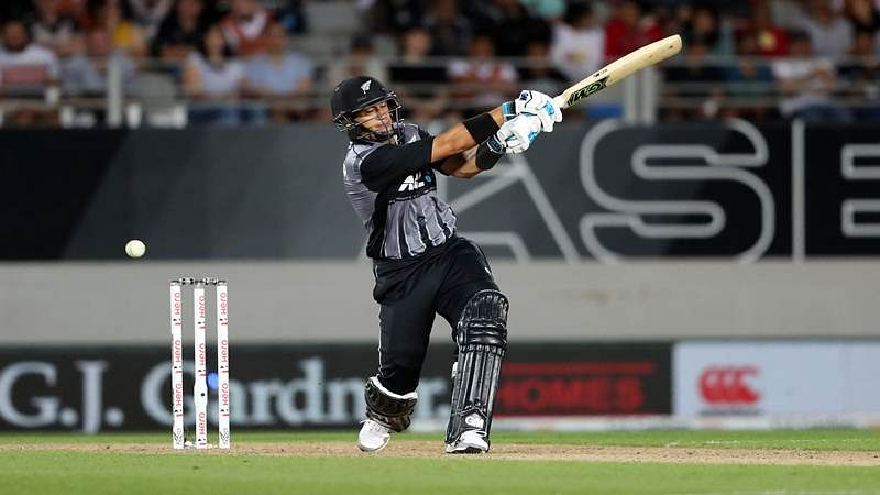 New Zealand vs Australia: Black Caps limp to 150/9 in tri series final