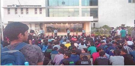 Despite series of protests, IIT-Indore dir finds food not 'tasteless, substandard & overpriced'