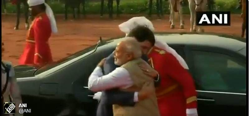 Watch! PM Modi hugs Canadian PM Justin Trudeau, welcomes his family at Rashtrapati Bhavan