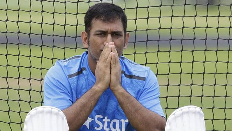 Chairman of selectors left red-faced as Dhoni says no to Hazare quarters