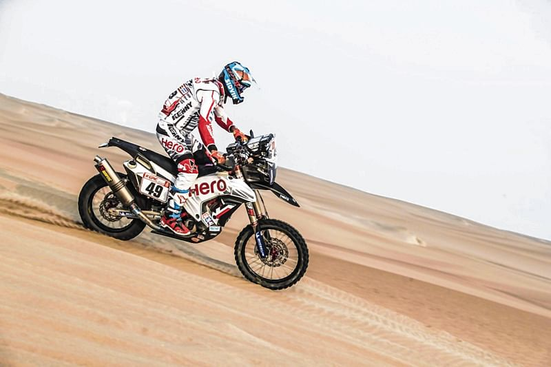 Santosh stays in lead after leg 2 at Desert Storm