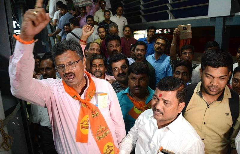 Mumbai: After waiting for three hours, Shiv Sena walks out of inauguration ceremony of extended Harbour Line