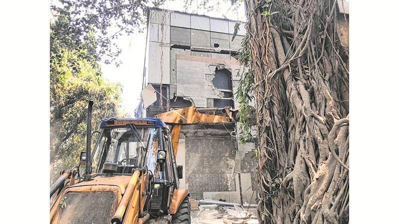 Mumbai: Unauthorised structures at Raghuvanshi Mills razed