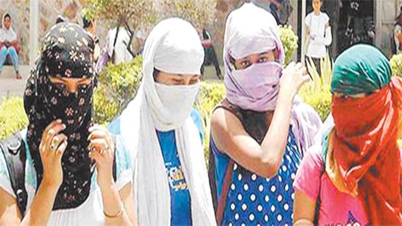 Indore: Hot weather tightens its grip over Indore