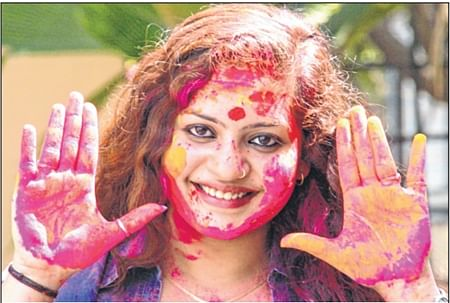 Indore: Wish overzealous Holi revellers stopped harassing women