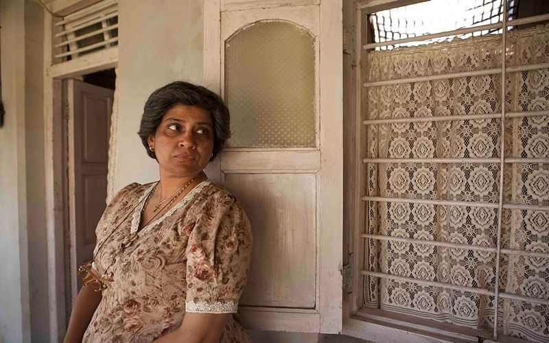Netizens can't get enough of Renuka Shahane's dialogue from 3 Storeys!